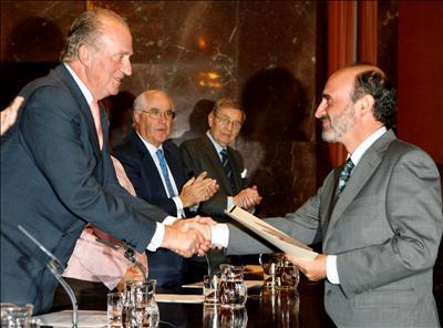 Benigno Varillas, fundador de los clubes CPN en España, recibe, en 2007, el prestigioso Premio Fondena.