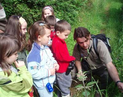 El CPN- Fapas descubre los secretos de la campiña asturiana a niños de Las Regueras.