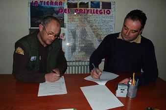 Ganaderos de Teverga se unen al FAPAS para trabajar por la conservación del Oso pardo y el Urogallo